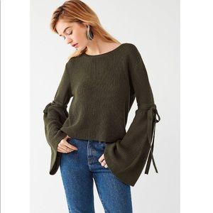 Justine extreme bell sleeve sweater dark green